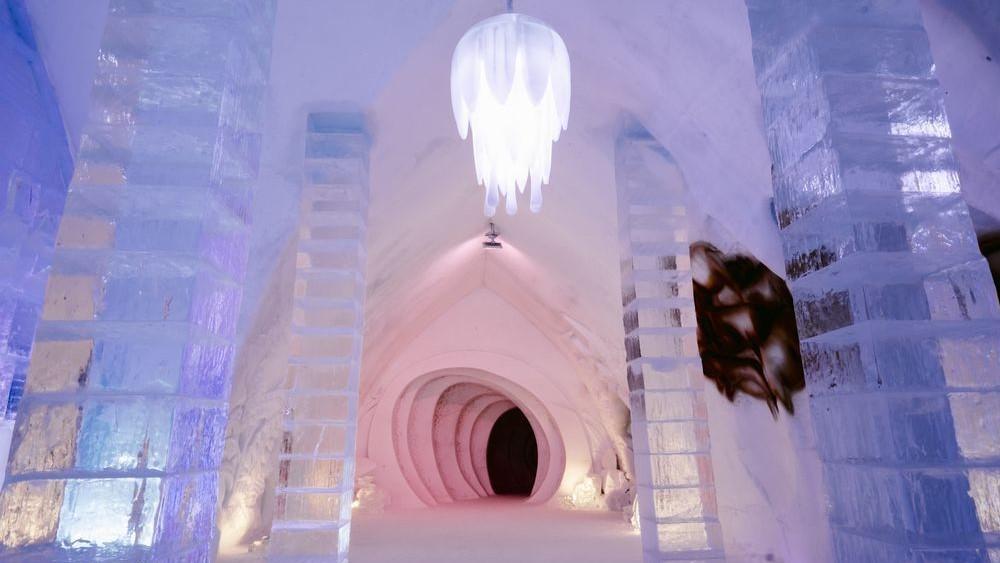 Kastil es Frozen dari Hotel de Glace, Kanada