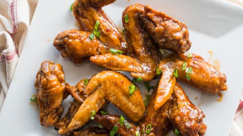 Gadis dilarang makan sayap ayam karena bisa jauh dari jodoh?
